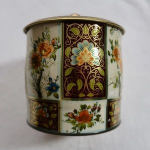 Vintage English tea tin dagger Long Island NY
